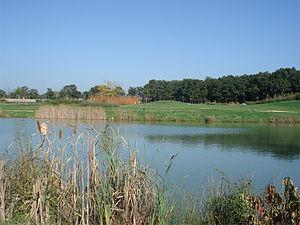 Saint-Sylvain-d'Anjou - Image: Lac parc andre delibes
