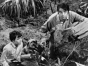 Kurt Kasznar - Kurt Kasznar and Stefan Arngrim in Land of the Giants, circa 1969