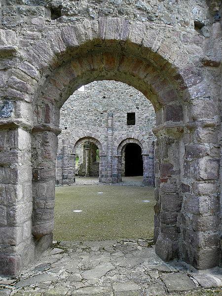 Rotonde du temple de Lanleff (22) vue du déambulatoire.