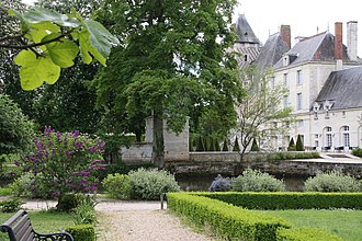 Château des Réaux - Image: Le lilas Château des Réaux