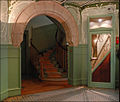 Le vestibule du Castel Béranger (Hector Guimard) (5479376792).jpg