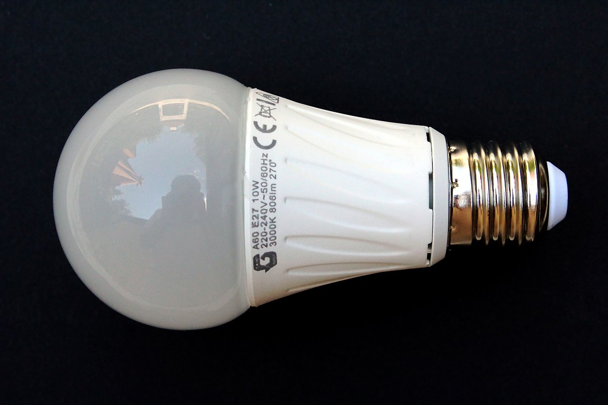 Led lamp wikipedia A light bulb