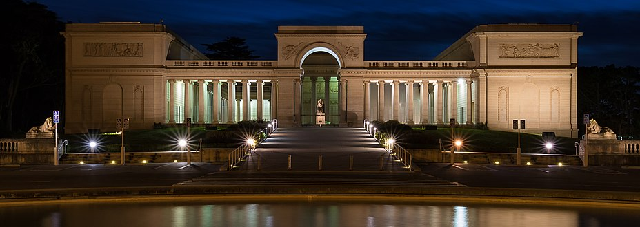 Legion of Honor at night (cropped).jpg