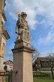 Lhota u Náhořan - sochy svatých u kříže na návsi.jpg
