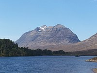 Liathach from Loch Clair May 2006 - geograph.org.uk - 282854.jpg