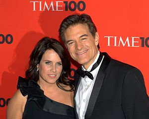 English: Lisa Oz and Mehmet Oz at the 2010 Tim...