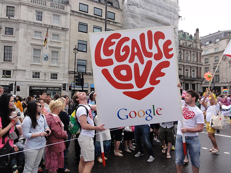 Ficheiro:London Gay Pride 2012 Legalise Love.jpg