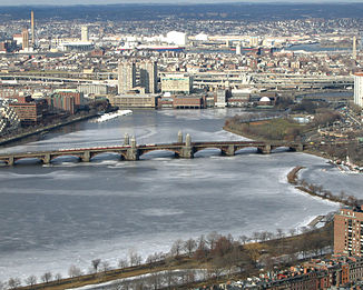 Longfellow Bridge iwa'n Charles River