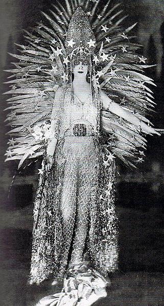 File:Luisa Casati 1922.jpg