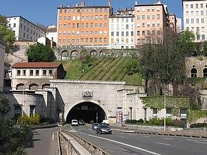 Tunnel de la Croix-Rousse - Image: Lyon Tunnel de la Croix Rousse
