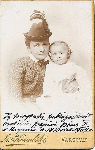 Maciej Masłowski - Maciej Masłowski, aged 3 and his mother, photograph of 1904