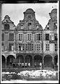 Maison - Façades des maisons de la Grande Place - Arras - Médiathèque de l'architecture et du patrimoine - APDU001347.jpg