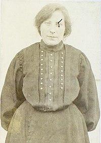 Mara Tavčar 1910s (2).jpg