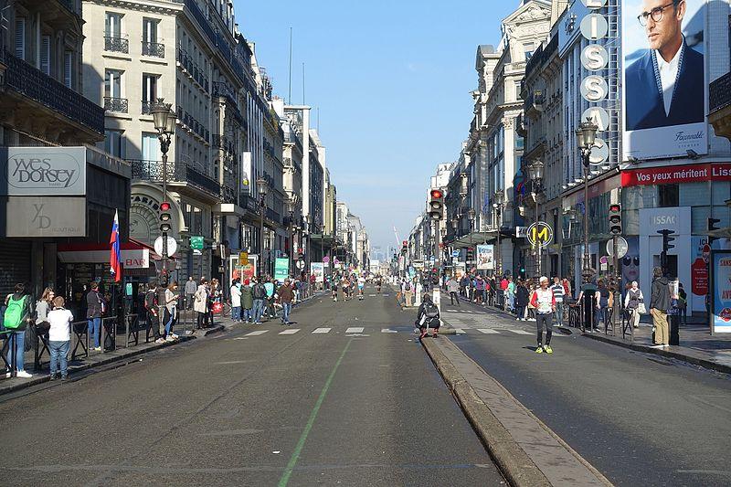 File:Marathon @ Paris (26141957701).jpg