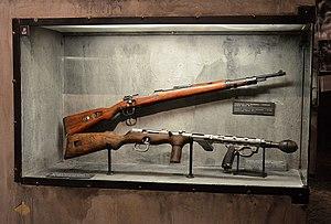 Erma EMP - An EMP (below) displayed in Warsaw Uprising Museum