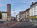 Menen, stadhuis met de Belforttoren in straatzicht oeg55745 foto7 2015-08-09 11.07.jpg