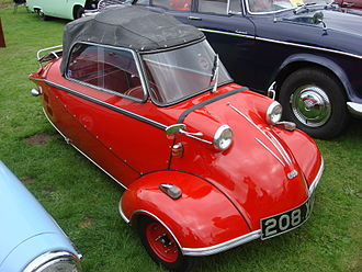 Tandem - Messerschmitt KR200 Kabrio; the folding top replaces the bubble in this version.