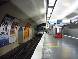 Metro Paris - Ligne 13 - Station Invalides (10).jpg