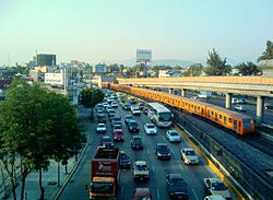 Metro de la cd de México, Oceanía - Rio Consulado.jpg