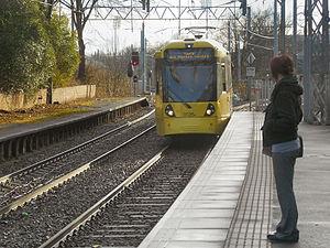 Altrincham Line - Image: Metrolink Tram Approaching Trafford Bar, David Dixon, 3371036