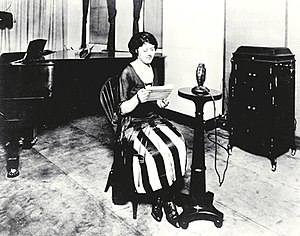 The Eveready Hour - Announcer Helen Hahn in the WEAF studio in 1922.