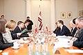 Ministru prezidents Valdis Dombrovskis tiekas ar Polijas ārlietu ministru Radoslavu Sikorski (8471183314).jpg