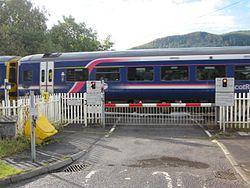 Moulinearn Level crossing (8125808187).jpg