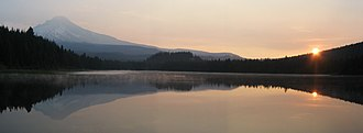 Trillium Lake - Image: Mount Hood Lake Sunrise