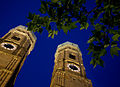 Munich - Night view of the Frauenkirche - 9323.jpg