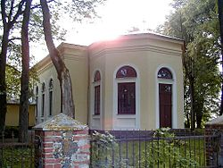 Nīcas baznīca 2000-07-08.jpg