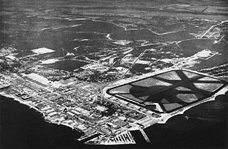 Naval Air Station Pensacola - Aerial view of NAS Pensacola in the mid-1940s. Chevalier Field is at the upper right.