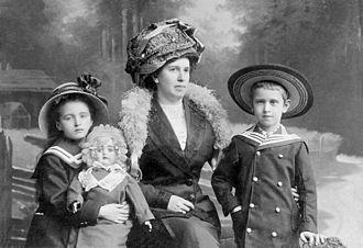 Dmitry Kabalevsky - Nadezhda Kabalevsky (née Nowicka) and her son Dmitry and daughter Elena. St. Petersburg, 1911.