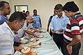 Narayana Peesapati Distributes Edible Spoon To His Lecture Attendees - NCSM - Kolkata 2018-05-11 2564.JPG