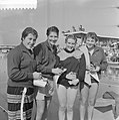 Nederlandse zwemkampioenschappen te Schiedam n.l.n.r. S. Morgan (3), Dawn Frase, Bestanddeelnr 909-7690.jpg