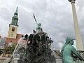 Neptunbrunnen 017.jpg