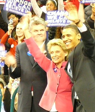 Christine Gregoire - Gregoire (center), stands with Seattle Mayor Greg Nickels (left) and US Senator for Illinois Barack Obama (right) at a rally for Obama's presidential campaign at KeyArena on February 8, 2008.