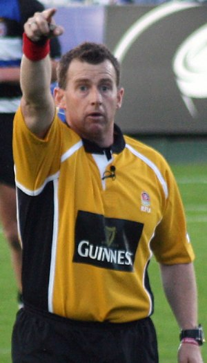 Nigel Owens - Owens officiating the 2009 English Premiership match between Bath and Leicester Tigers