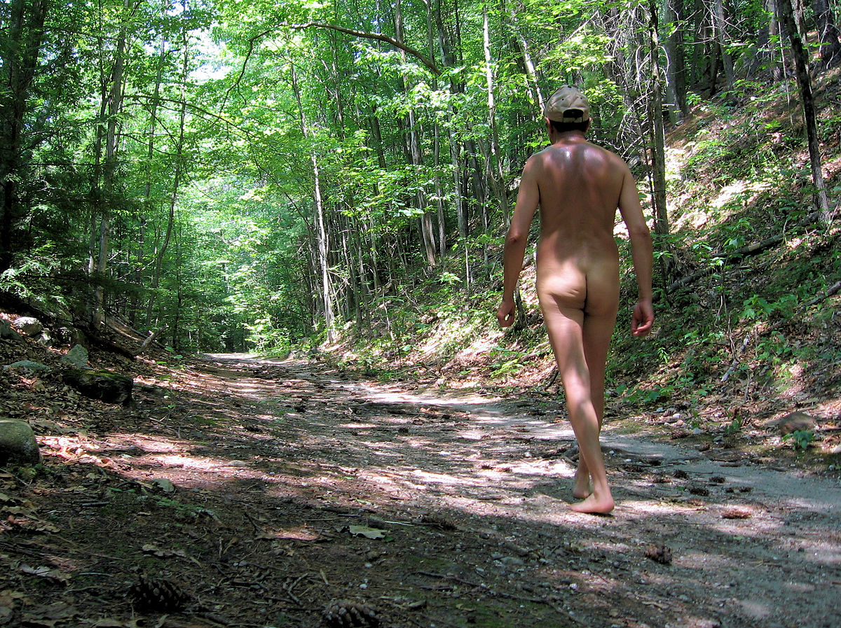 Nude in the wood story, top sex move