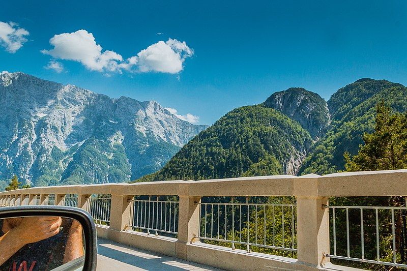 File:On a way to Bovec, Slovenia (43783145455).jpg