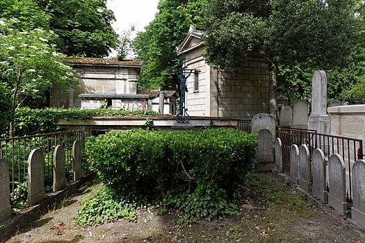 Category grave of brun de neuville p re lachaise for Chateau de la chaise