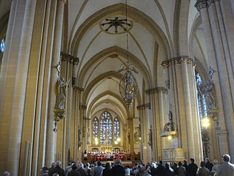 Paderborn Cathedral - Interior, service with the cathedral choir (Domchor)