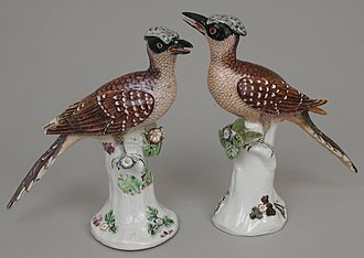 Chelsea porcelain factory - Pair of cuckoos, c. 1750, 8 in, 20 cm high, raised anchor mark