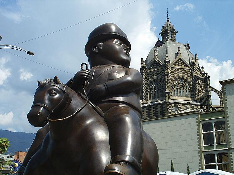 File:Palacio de la Cultura Rafael Uribe Uribe mas Botero.JPG