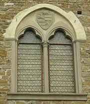 Palazzo_dei_Vescovi_a_San_Miniato_al_Monte,_finestra_06.JPG