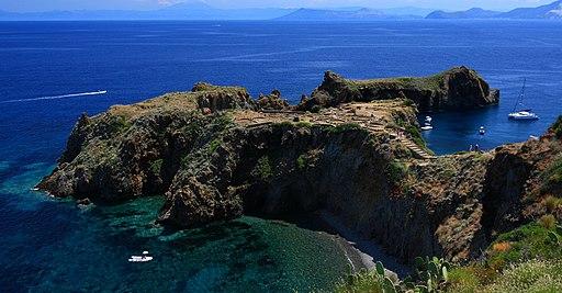 Panarea -vista sul villaggio preistorico (3)
