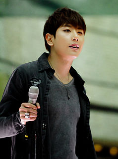 Park Hyo-shin South Korean singer