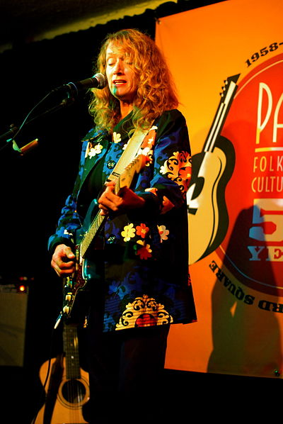 Picture of a band or musician: Patty Larkin