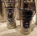 Perù, chimù, bicchiere antropomorfo, XIV-XV sec, argento sbalzato 06.JPG