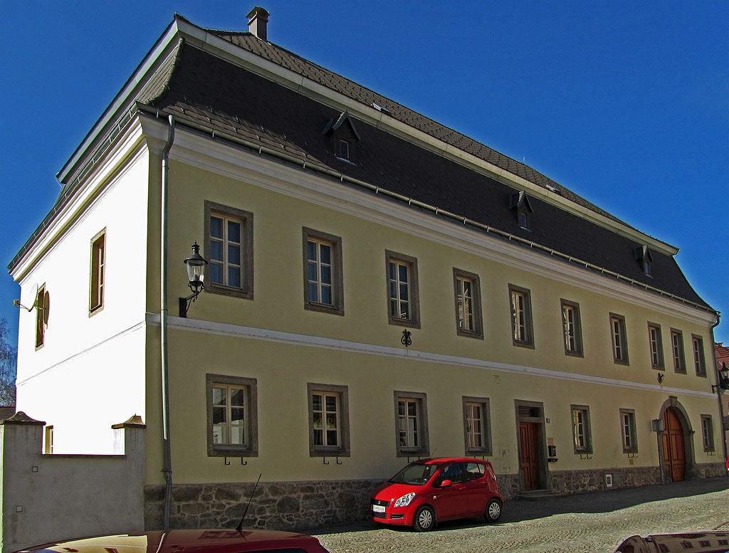 1024px-Pfarrhof_in_HeidenreichsteinI.jpg?1536680297056