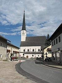 Pfarrkirche Lochen.JPG